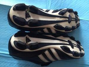 Women's Adidas Traxion Soccer Cleats size 8.5 London Ontario image 3