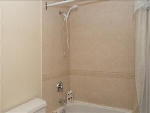 1 bedroom apartment for rent MINUTES to Downtown! Peterborough Peterborough Area image 6