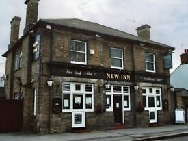 Two Single Bedrooms offered above quiet Thames Ditton Pub - £500pm Bills Included