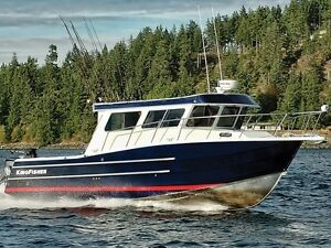 2016 KingFisher 3325 Offshore