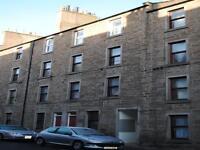 3 bedroom flat in Blackness Road, Dundee