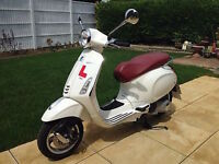 VESPA PRIMAVERA 125. Excellent condition like new