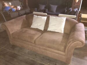 2 seaters sofa/couch excellent condition delivery ok Hamersley Stirling Area Preview