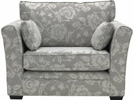 Floral Cuddle Chair rarely used. reversable cushions