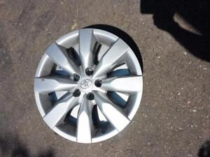 BRAND NEW TAKE OFF 2017 FACTORY OEM  TOYOTA COROLLA 16 INCH WHEEL COVER SET OF FOUR.