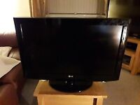 32 inch LG HDMI FREE VIEW TV GREAT FOR GAMING FIRESTICK VIRGIN SKY ETC
