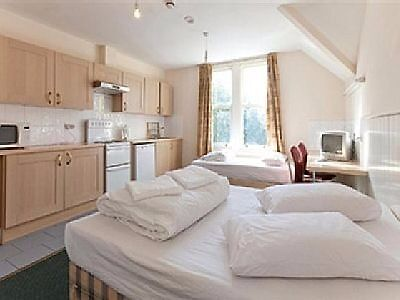 Triple Studio Swiss Cottage Short Lets sleeps 3 people £350 Per week all bills