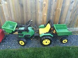 Peg Perego - John Deere Farm Tractor with Trailer Ride-on