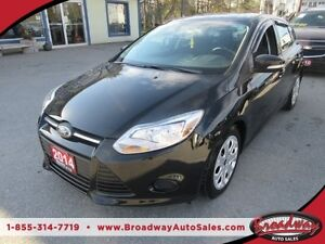 2014 Ford Focus 'LIKE NEW' POWER EQUIPPED SE EDITION 5 PASSENGER