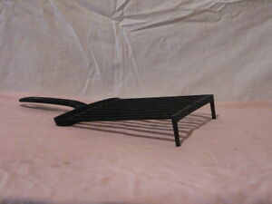 Vintage Cast Iron Cookware - Griddle with grease drain Peterborough Peterborough Area image 1