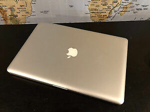 MacBook Pro 2011 - 15inch 500gb i7 ( Super Mint )