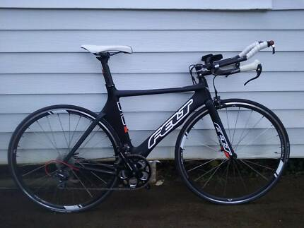Felt B16 - 2014 - triathlon bike - barely used!