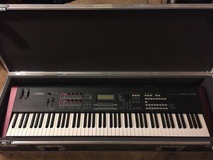 Yamaha MOXF8 keyboard /workstation