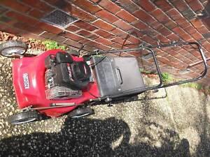 Lawn mower Pope 4 stroke Briggs & Stratton IN VG working Conditio Brighton Bayside Area Preview