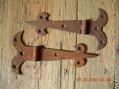 "~ONE PAIR~OF RUSTY~5.1/2"" RUSTIC GOTHIC T/HINGES~"