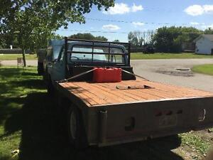 1975 Ford F-350 duelly