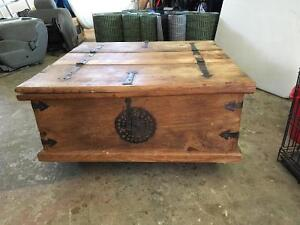 Distressed storage coffee table