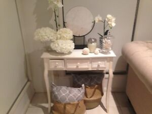 Hall table North Lakes Pine Rivers Area Preview