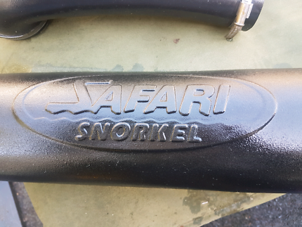 Hilux safari snorkel......2000 to 2004