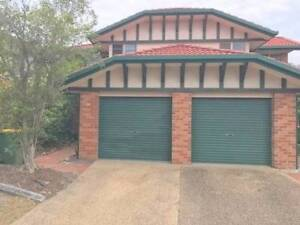 Take over lease neat and tidy 2 bedroom 2 lounge townhouse Labrador Gold Coast City Preview