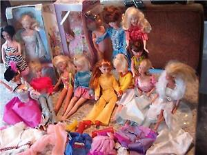 Vintage group of barbie dolls 13 dolls 11 Barbie Uneeda,Megocorp