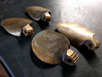 Varifold propeller blades