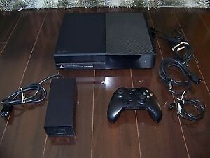 Xbox one 500 gb + guitar hero live + 2 other games