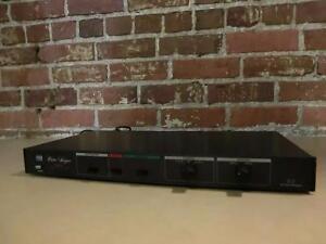 Régulateur Audio-Vidéo ADC VSP-400 (i010719)