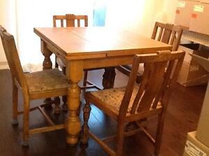 Price drop on antique oak table and chair set