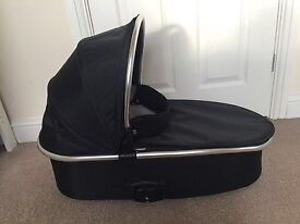 Babystyle Oyster Carrycot and raincover