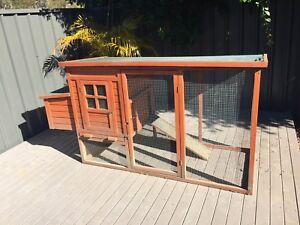 Chicken, Rabbit, guinea pig hutch coop Mardi Wyong Area Preview