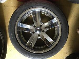 Set of tires with rims P275/45R20