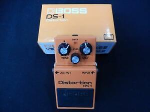 Pedale a Distortion BOSS / Model DS-1 (i022074)