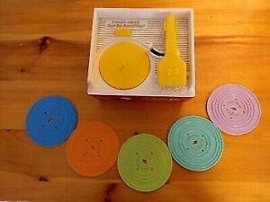 Fisher price  record player  music box w/5 records