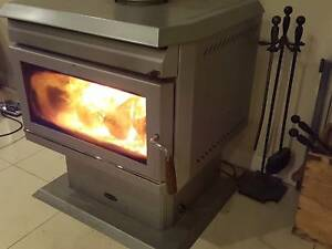 COMBUSTION WOOD HEATER - FREE STANDING CLEAN AIR MODEL Mount Gambier Grant Area Preview
