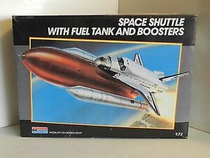 Monogram 1/72 Space Shuttle With Fuel Tank and Boosters