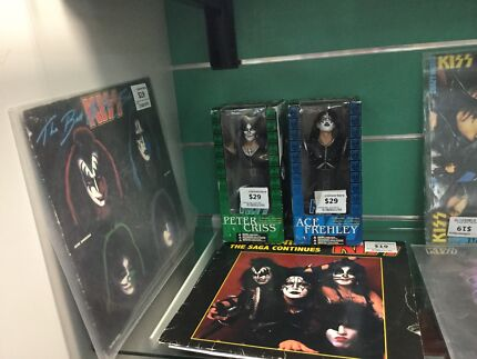 ***Kiss Vinyl Records and Figures***