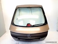 Genuine 2004-2008 Toyota avensis D4D Hatchback rear tailgate complete with glass + wiper motor
