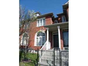 Large Freehold Townhouse 3 Bed / 3 Bath, Prof. Finished Bsmt