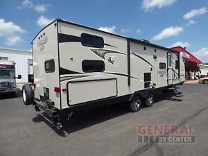 2017 Prime Time Tracer Air 275 - Bunks ***Light Weight towable