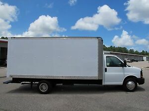 2005 Ford 16 Foot Cube Van for sale