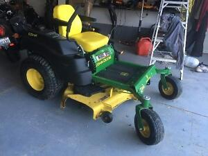 John Deere Z445 EZTrak Lawnmower Stratford Kitchener Area image 2