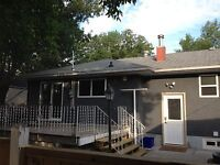 Newly renovated, centrally located home Available this holiday