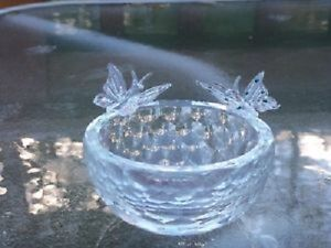 Sorelle Crystal Bowl with Glass Butterflies attached!