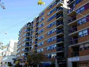 Large 1 Bedroom Condo (730sq.ft.) In Downtown Toronto for Rent.