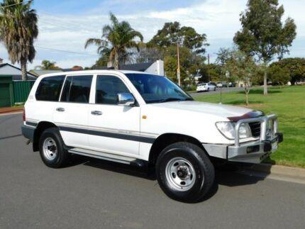 1999 Toyota Landcruiser FZJ105R GXL White 5 Speed Manual Wagon