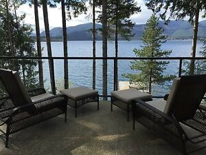 Luxury Lakefront Accommodation - Bald Mountain Beach House