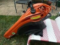 AS NEW FLYMO TURBO 2200 GARDEN VACUUM