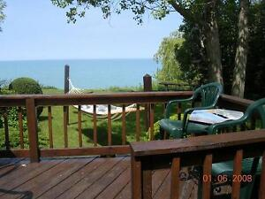 Grand Bend Lake Front Cottage with a Hot Tub
