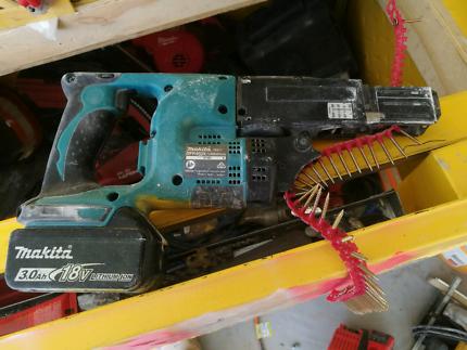 Makita collated screw gun kit